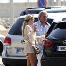 Sophie Monk out for lunch in Mallorca - 454 x 665