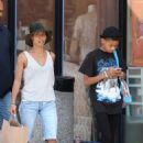 Jada Pinkett Smith and daughter Willow shopping in Santa Monica (July 6)