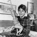 Judy Carne - 454 x 568