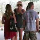 Kimberly Stewart Goes Barefoot On The Streets Of Las Vegas, 2007-09-09