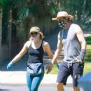 Kristen Bell – Spotted at Griffith Park in Los Angeles