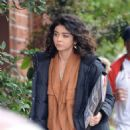 Sarah Hyland – Filming 'The Wedding Year' in Hollywood - 454 x 612