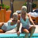 Shannon Twins Showing Their Big Booties At The Pool