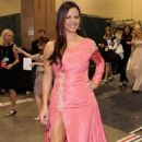 Sara Evans Pretties Up the 2012 ACM Awards - 454 x 726
