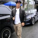 Mark Wahlberg is spotted out for lunch at the Palm Restaurant in Beverly Hills, California on January 6, 2016 - 428 x 600