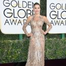 Sofia Vergara attends the 74th Annual Golden Globe Awards at The Beverly Hilton Hotel on January 8, 2017 in Beverly Hills, California