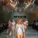Jennifer Hawkins- MYER Spring-Summer 2014 Collection Fashion Show - 396 x 594