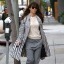 Jessica Biel stops by her restaurant Au Fudge for lunch in West Hollywood, California on January 24, 2017 - 417 x 600