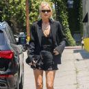 Rosie Huntington Whiteley – Arriving at an art gallery in Santa Monica - 454 x 681