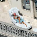 Paris Hilton Sunbathing In Beverly Hills, May 29 2008