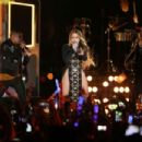 Jennifer Lopez – 4th Of July Performance in New York - 454 x 303