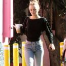Lily Rose Depp – Leaving a LA grocery store - 454 x 688