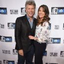 Dorothea and Jon Bon Jovi - 395 x 594