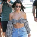 Kourtney Kardashian – Arriving at an art studio in Los Angeles
