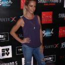 Kendra Wilkinson – 'Sharknado 5: Global Swarming' Premiere in Las Vegas - 454 x 699