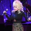 Dolly Parton performs onstage during the 2016 Medallion Ceremony at Country Music Hall of Fame and Museum on October 16, 2016 in Nashville, Tennessee - 410 x 600