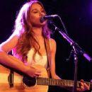 Una Healy – Performs live at the Lexington on Pentonville Road in London - 454 x 358