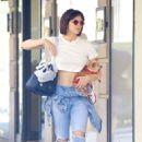 Katharine McPhee – Shopping at Madison Avenue in New York - 454 x 681