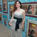 Kathryn Hahn – 'Mrs. Fletcher' premiere in Los Angeles - 454 x 681