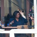 Kate Hudson and Octavia Spencer – Filming at a local eatery in Marina Del Rey - 454 x 679