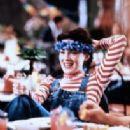 Lara Flynn Boyle In Threesome (1994) - 204 x 307