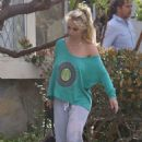 Britney Spears leaves a friends house in Los Angeles - 454 x 681