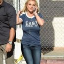 Britney Spears Going To Vons Supermarket In La