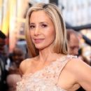 Mira Sorvino At The 90th Annual Academy Awards (2018) - 411 x 600