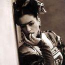 Frida Kahlo - 250 x 362
