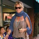 Rachel Hunter leaving a jewelry store in Beverly Hills, California on June 13, 2013