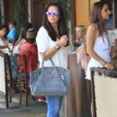 Kyle Richards and husband Mauricio Umansky take their daughters Alexia, Sophia and Portia out for lunch in Beverly Hills, California on June 10, 2016 - 413 x 600