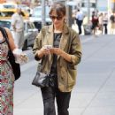 Rashida Jones out in NYC (August 2) - 454 x 681