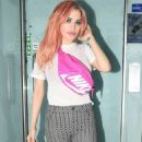 Carla Howe with new pink hair in London - 454 x 883