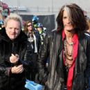 Aerosmith invade Boston street for free concert - 454 x 303