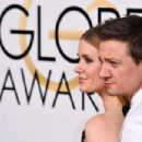 Amy Adams and Jeremy Renner – Golden Globe Awards in Beverly Hills 01/08/ 2017 - 454 x 303