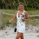 Samantha Hoopes – Arriving at the Sports Illustrated Swimsuit Soccer Event in Miami - 454 x 668