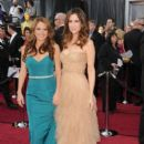 Annie Mumolo and Kristen Wiig At The 84th Annual Academy Awards - Arrivals (2012) - 396 x 594
