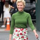 Gretchen Mol – Arrives to Michael Kors Fashion Show in New York - 454 x 672