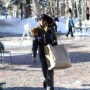 Lori Loughlin goes out on Christmas Eve to do a little last minute shopping in Aspen, Colorado on December 24, 2014 - 454 x 573