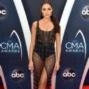 Olivia Culpo – 52nd Annual CMA Awards in Nashville - 454 x 683