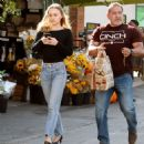 Lily Rose Depp – Leaving a LA grocery store - 454 x 476