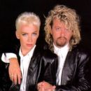 David A. Stewart and Annie Lennox - 399 x 418