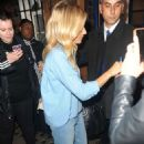 Sienna Miller – Leaves the Apollo Theatre in London - 454 x 682