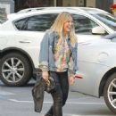 Hilary Duff Out for a Sushi Dinner in Beverly Hills - 454 x 576