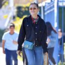 Kiernan Shipka – Out for lunch in Los Angeles