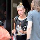 Hailey Baldwin – Leaving the gym in NYC - 454 x 577