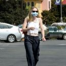 Dakota Fanning – Seen while go for grocery shopping at Vons in Burbank