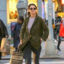 Katie Holmes – Shopping at DSW in New York City - 454 x 681
