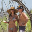 Heidi Klum in bikini at the beach in San Jose - 454 x 681