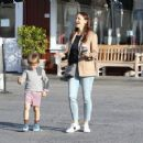 Jennifer Garner spotted leaving Brentwood Country Mart in Brentwood Ca March 27th,2017 - 454 x 359